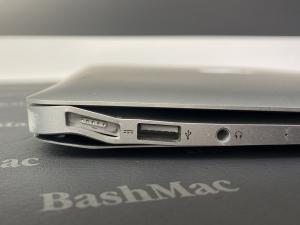 Рихтовка, вирівнювання корпусу MacBook Air після падіння