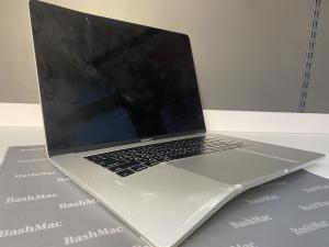 Деформований корпус MacBook